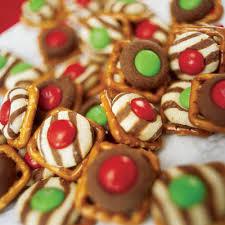 oodlekadoodle primitives holiday pretzel treats crunchy snowmen
