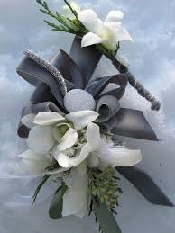 where can i buy a corsage and boutonniere for prom boutonnieres and corsages who get s them floral artistry by