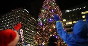 detroit tree lighting 2015