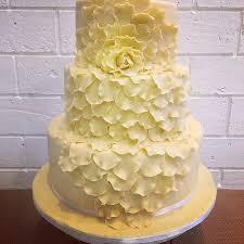 phuket wedding cake 3 tiers 3 flavours handmade rose flower petals