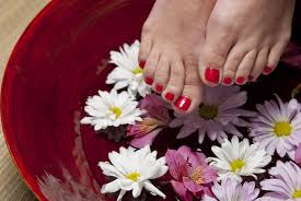 tips for do it yourself manicure and pedicure gildshire