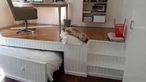 bureau surélevé il voulait un espace bureau mais sans sacrifier la chambre d amis