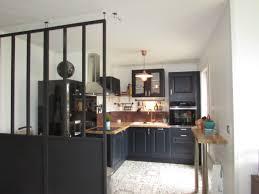 cuivre cuisine cuisine rustique verrière amovible sol effet carreaux de ciment