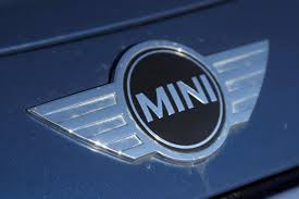 logo mini cooper 2015 mini cooper s hardtop 4 door review autoguide com news