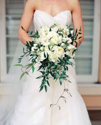 white wedding bouquets of innocently beautiful white bridal bouquets 22