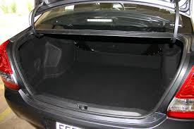 Amado Toyota Etios Sedã: Iluminação - Autos Segredos &ZV54