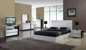 Bedroom Floor Covering Ideas Bedroom Modern Bedroom Interior Decor With Hardwood Tile