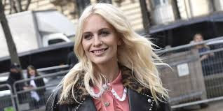 poppy delevingne debuts her new super short hair and dubs it the