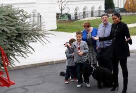 first lady kicks off obamas u0027 final white house christmas wtop