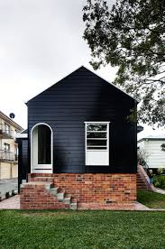 come to the dark side 14 totally chic black houses cottage