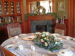 The Dining Room At Kendall College Learn About Floral Designs For Table Settings At This Redlands