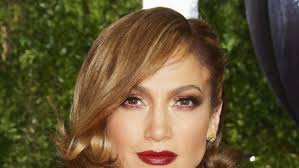 jlo hair color dark hair how to get jennifer lopez s new bronde hair color and bob