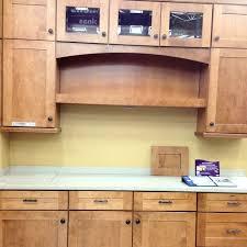 kraftmaid shaker style kitchen cabinets pin by deirdre reishus on critters kraftmaid kitchen