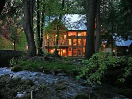 Sundance Home Decor Windows On Water Stream Tub Big Homeaway Sundance