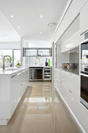 faience cuisine beige idee couleur cuisine moderne 1 cuisine avec carrelage polis
