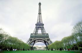 eifel tower eiffel tower evacuated for an hour before suspicious package