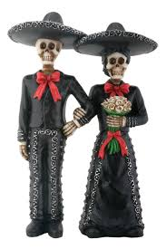 amazon com mariachi skeleton couple holding hands patio lawn