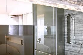 schlafzimmer mit bad penthouse schlafzimmer design glas trennwand bad