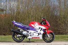 cbr 600 dealer staff bikes cbr600f the proud and skint owner of a 1998 honda