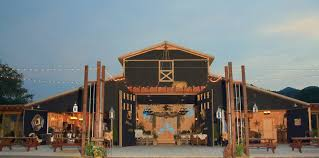 smoky mountain wedding venues smokey mountain wedding party barn wears valley area chamber