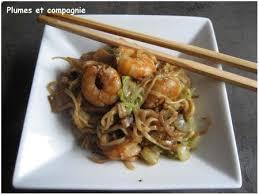 cuisiner du choux chinois nouilles asiatiques aux crevettes chou chinois et citonnelle
