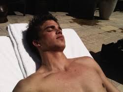 sinar matahari bikin pria lebih tangguh di ranjang ciricara