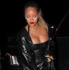 topless pictures of rihanna rihanna u0027s naughtiest moments
