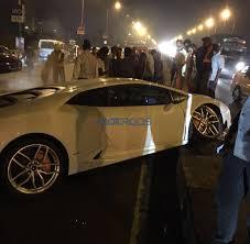 lamborghini crash mumbai lamborghini huracan among other supercars seized by octroi