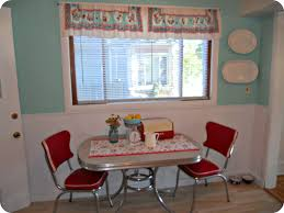 What Is The Best Kitchen Style The Retro Kitchen Table Suitable - Kitchen table retro
