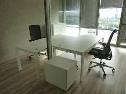 secr騁aire sous le bureau bureau secr騁aire design 29 images sous le bureau de la