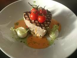 restaurant cuisine nicoise char grilled tuna nicoise picture of restaurant 107 cranleigh