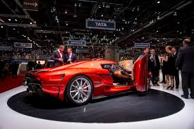 red koenigsegg regera koenigsegg presents production spec regera 0 400km h in 20s