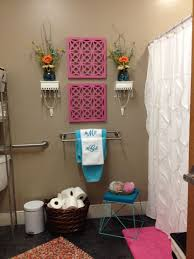 awesome decorating bathroom walls ideas contemporary decorating