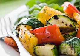 comment cuisiner des mange tout salade légumes grillés grande recettes qc ca
