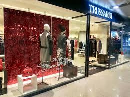 store decoration 5 star plus retail design