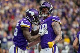 vikings lions thanksgiving day who has the edge