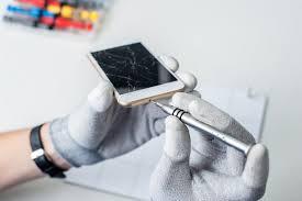 android screen repair got a cracked screen 5 best smartphone screen repair options