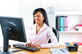femme bureau femme d affaires de sourire au bureau photo stock image du