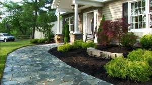 Home Driveway Design Ideas by Simple Lighted Driveway Bed Best Front Yard Landscaping Ideas And