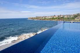 relaxing infinity pool design no edges no boundaries 2961