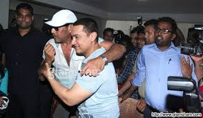 Aamir Khan Home Aamir Khan Greeted By Jackie Shroff At His 50th Birthday