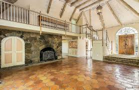 Ct Home Interiors Cyndi Lauper S Connecticut Home Hits The Market For 1 25m