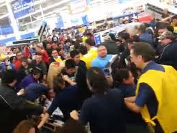thanksgiving black friday shoppers fight tv doorbuster