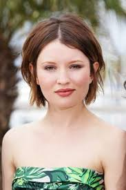 low maintenance awesome haircuts emily browning s hair in plush short hair pinterest plush