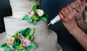 wedding cake new orleans wedding cake flavor new orleanians exactly what that means