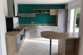 cuisine equipee bois réalisations une cuisine équipée bois naturel et minérale de