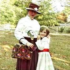 Mary Poppins Halloween Costume Kids Family Costume Idea Mary Poppins Jane Banks