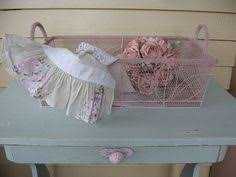 Shabby Chic Wire Baskets by Shabby Chic Wooden Heart Valentine Sweet Romantic Couple Victorian