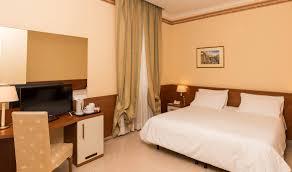 h el dans la chambre hotel portamaggiore rome chambre