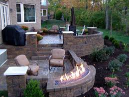 Retaining Wall Patio Design How To Build A Raised Patio With Retaining Wall Blocks